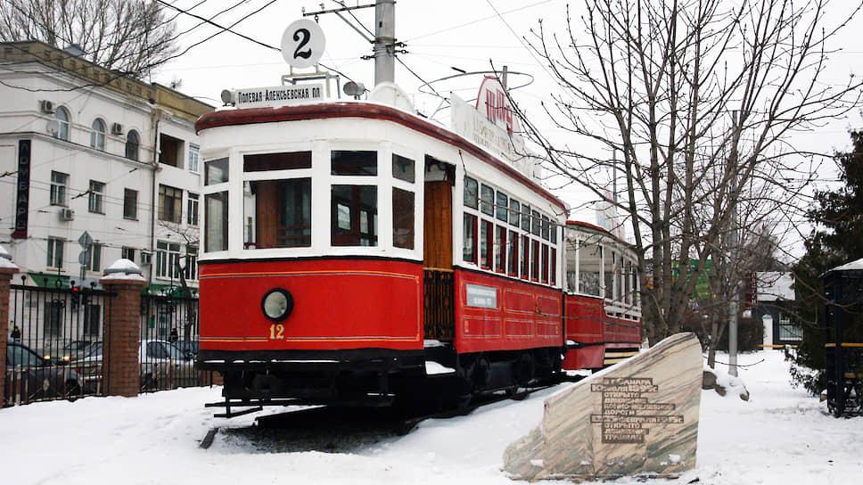 Самарский трамвай был запущен в эксплуатацию 25 февраля 1915 года (12 февраля по старому стилю).