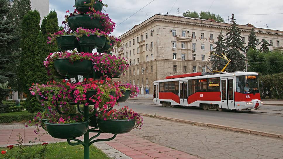 Трамвай на Самарской площади