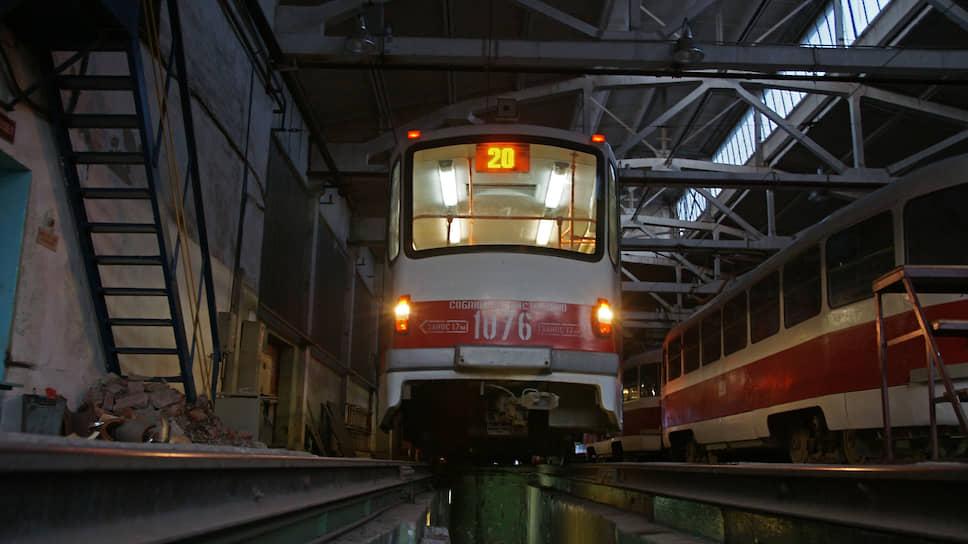 Трамваи в депо