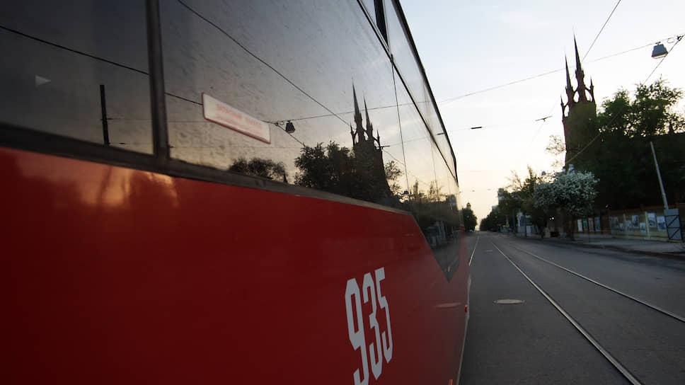 Трамвай на улице Фрунзе