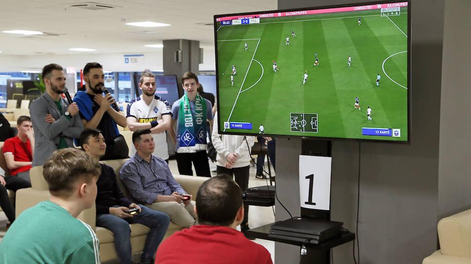 Перед возобновлением футбольного сезона «Крылья Советов» представили своих новичков на турнире по киберфутболу на стадионе «Самара Арена»