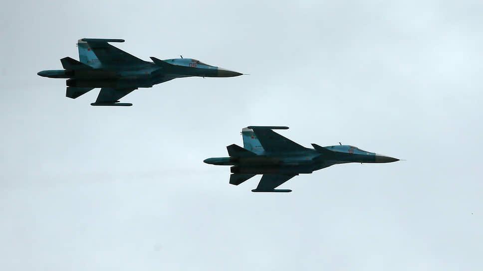 Российские тактические разведывательные самолеты Су-24МР.