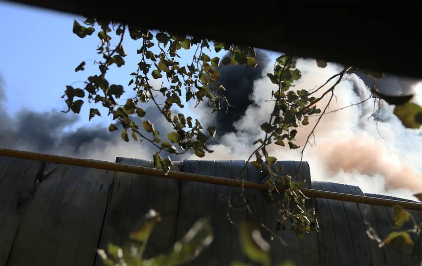 Площадь пожара составила 7,5 тыс. кв. м.