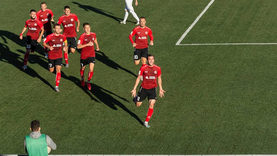 Команда празднует успех, Жигулевск ликует.