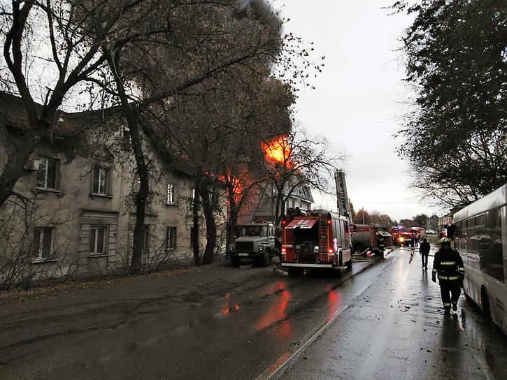 В результате происшествия погибли четыре человека и пострадали пятеро.
