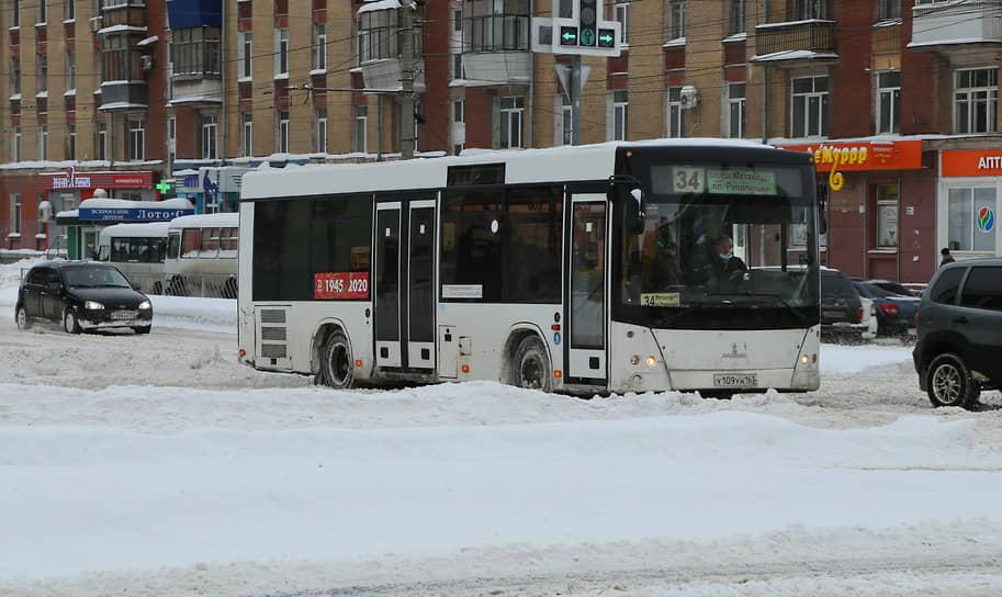 Транспорт на улице Победы.