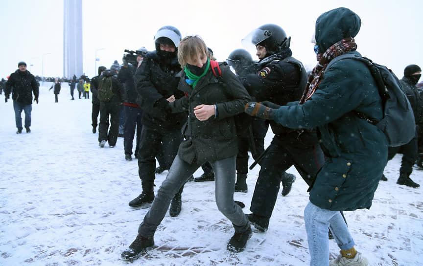 Несколько молодых людей сумели убежать от стражей порядка