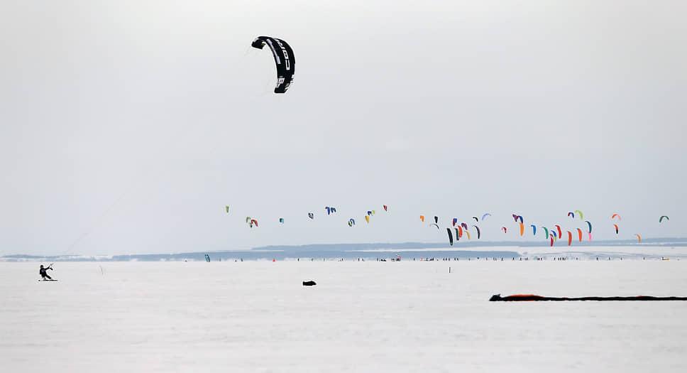 В ледовых баталиях приняли участие 135 сильнейших спортсменов из 27 регионов России и Украины