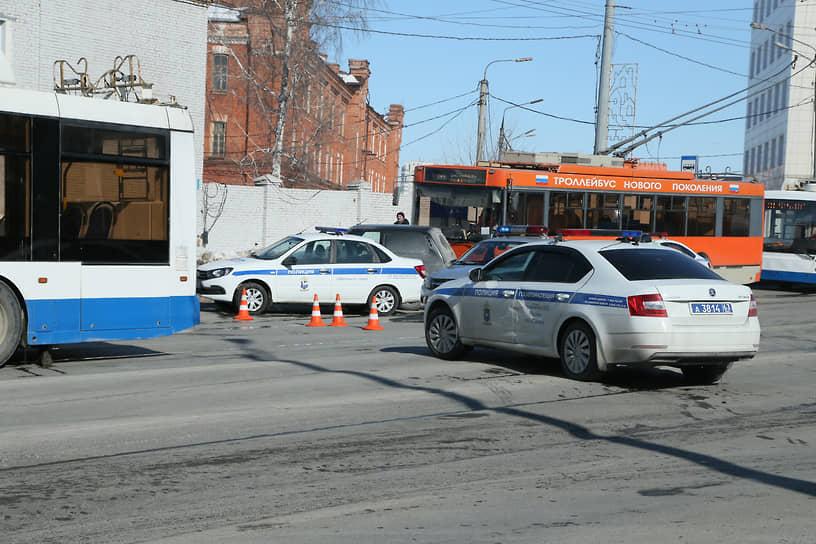 Движение по Московскому шоссе в районе ТЦ «Скала» было перекрыто на несколько часов