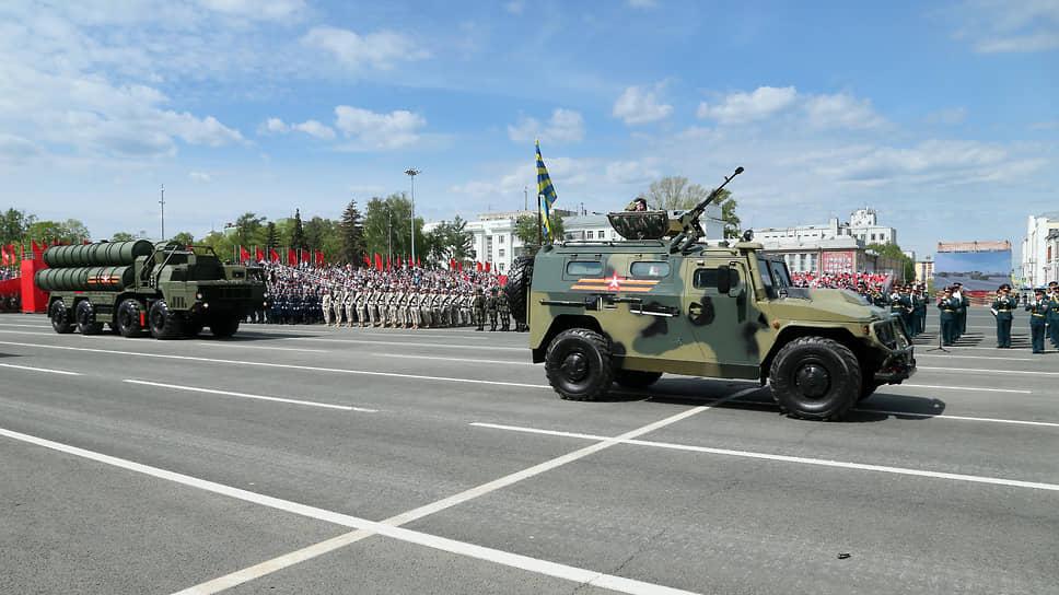 Парад посмотрели несколько тысяч человек