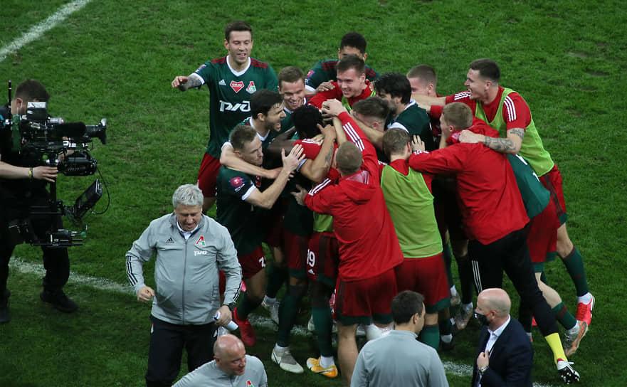 «Локомотив» победил со счетом 3:1 и в девятый раз завоевал Кубок России. Вместе с двумя победами в Кубке СССР для московской команды это стал 11-й трофей в кубке страны.