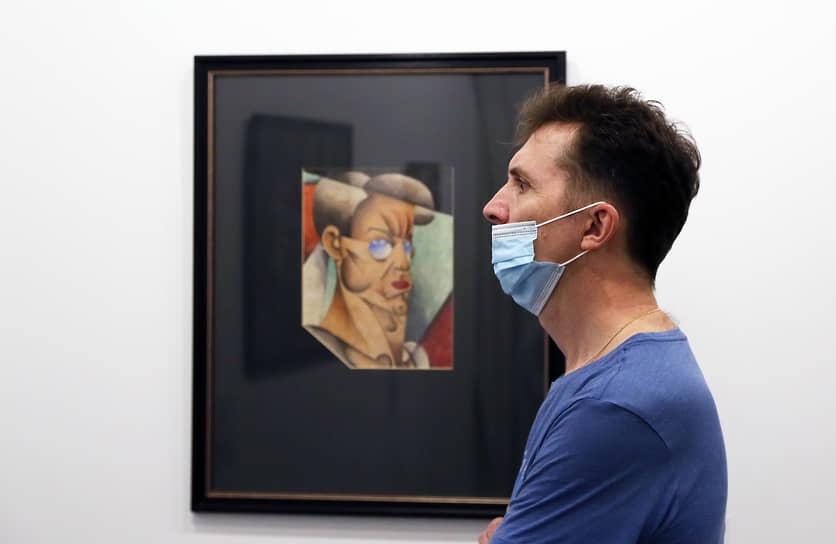 В здании самого Художественного музея в этот момент проходила выставка работ художников-авангардистов.
