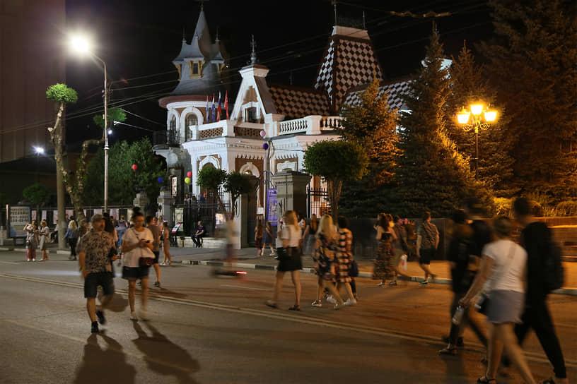 На время акции улицу Куйбышева сделали пешеходной.
