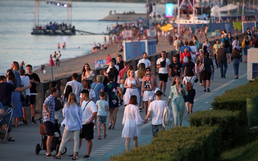 В этом году «ВолгаФест» пригласил в гости крупные волжские города: Нижний Новгород, Казань, Ульяновск, Саратов.