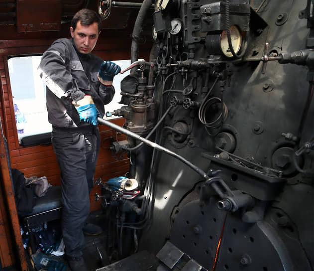 Конструкторов-разработчиков этого паровоза наградили Сталинской премией