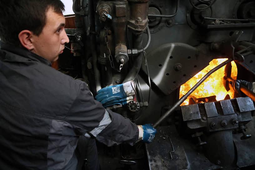 Паровозная тяга использовалась в СССР в регулярном железнодорожном сообщении до середины 1970-х годов