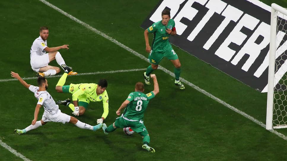 При счете 0:2 «Крыльям Советов» удалось забить «гол престижа». Отличился Владислав Сарвели