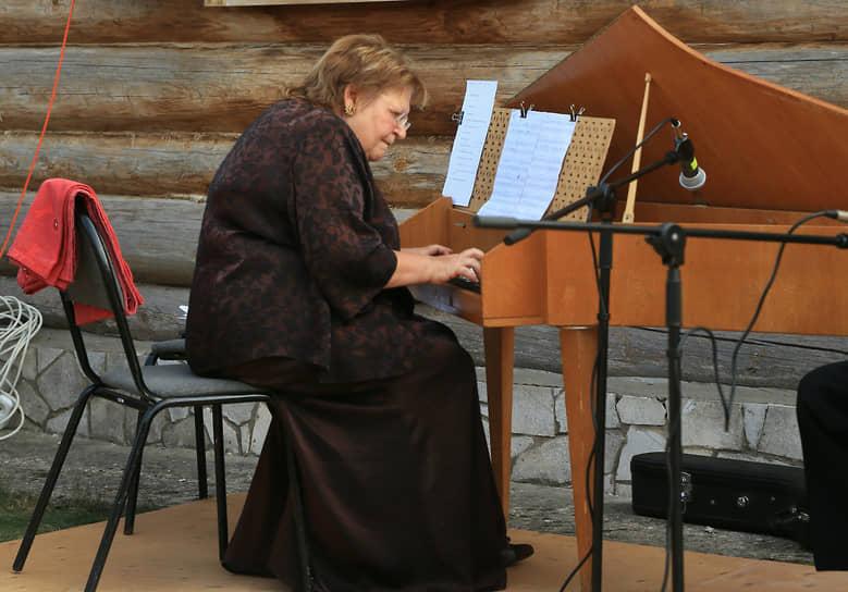 На клавесине играла Ольга Островская.