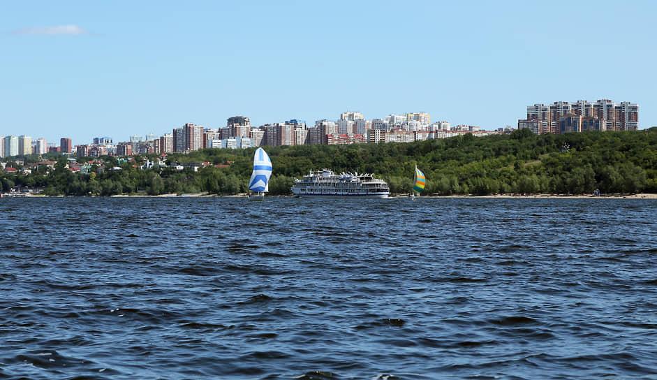 Идея создания регаты принадлежит мастеру спорта СССР по парусу, яхтенному капитану Всеволоду Ханчину.
