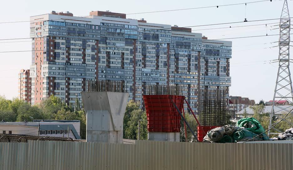 По информации регионального минтранса временное перекрытие движения ул. Ново-Садовая (по основному ходу) в связи с ремонтом организуется в четыре этапа.