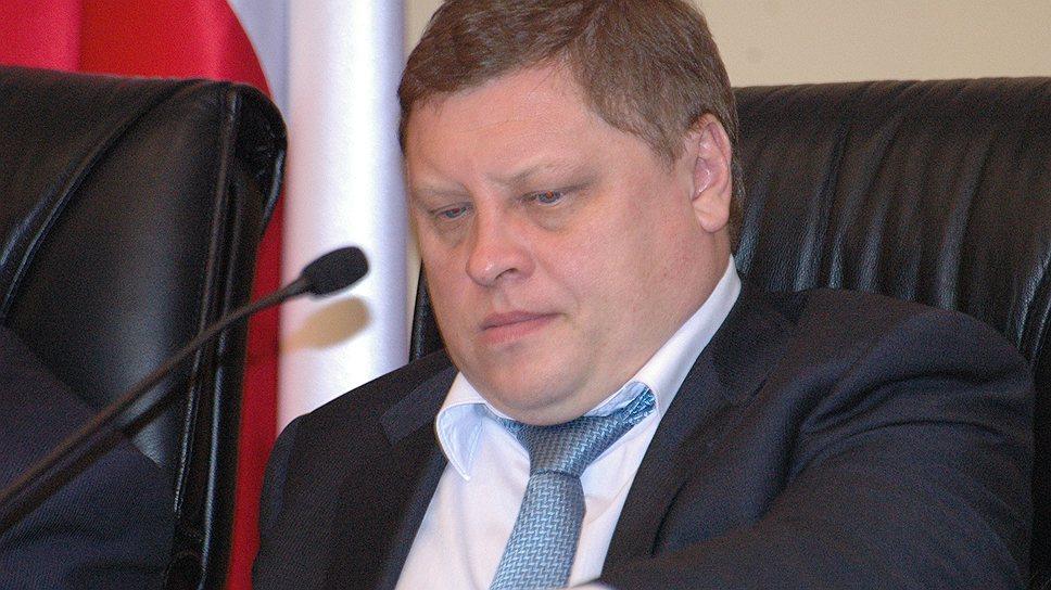 Заместитель главы администрации Саратова Дмитрий Федотов убежден, что с предложенным проектом бюджета у областного центра останется много нерешенных проблем