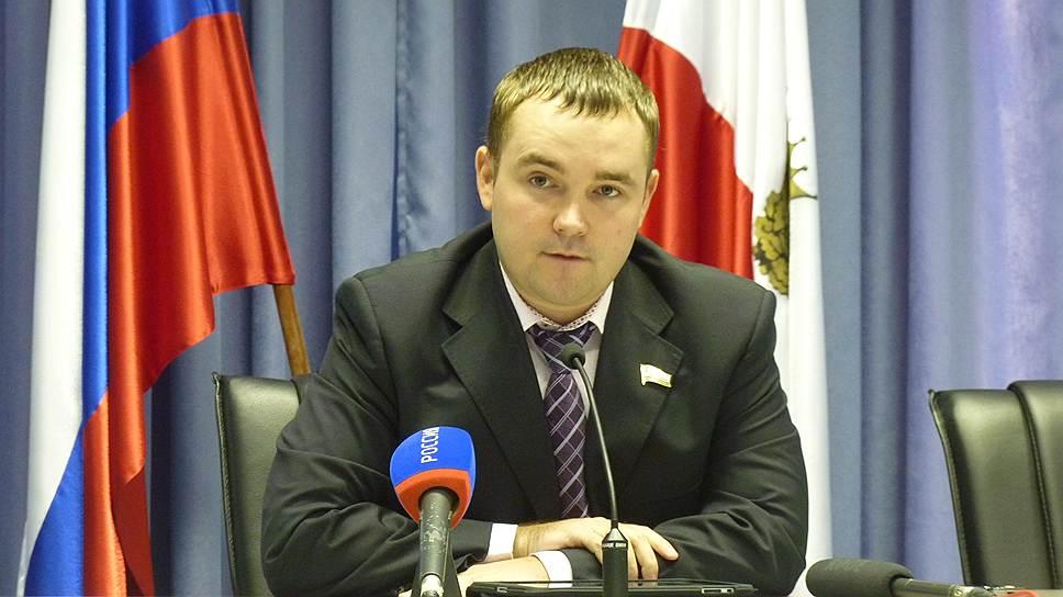 В коммуналке обнаружили «химию» / В Саратовской области собственникам жилья незаконно начислили 55млн рублей заЖКУ