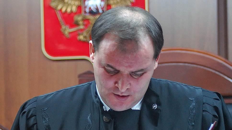 Дело вотношении бывшего судьи Владимира Стасенкова рассмотрит Саратовский областной суд