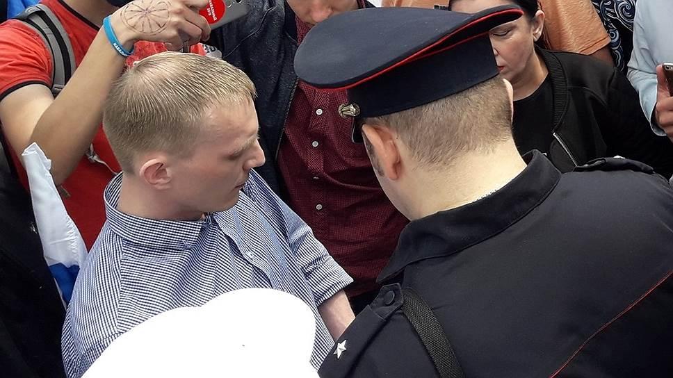 Михаила Мурыгина (слева) могут привлечь кответственности засказанные напротестной акции слова