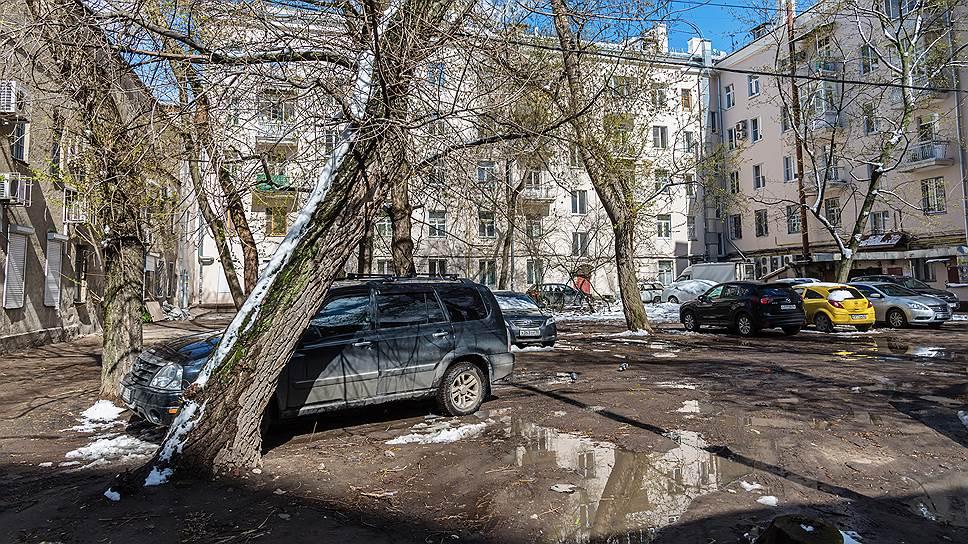 Штраф запарковку нагазонах вСаратовской области может сильно вырасти