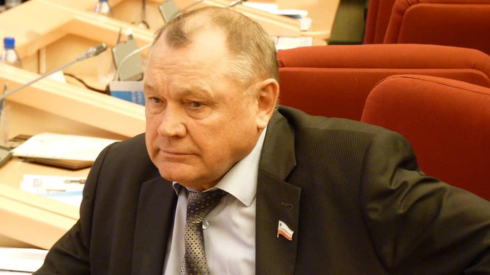 Депутат Николай  Семенец проанализировал все законопроекты областной думы за12лет