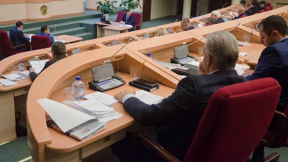 Саратовские депутаты рассмотрят очередные антиникотиновые поправки