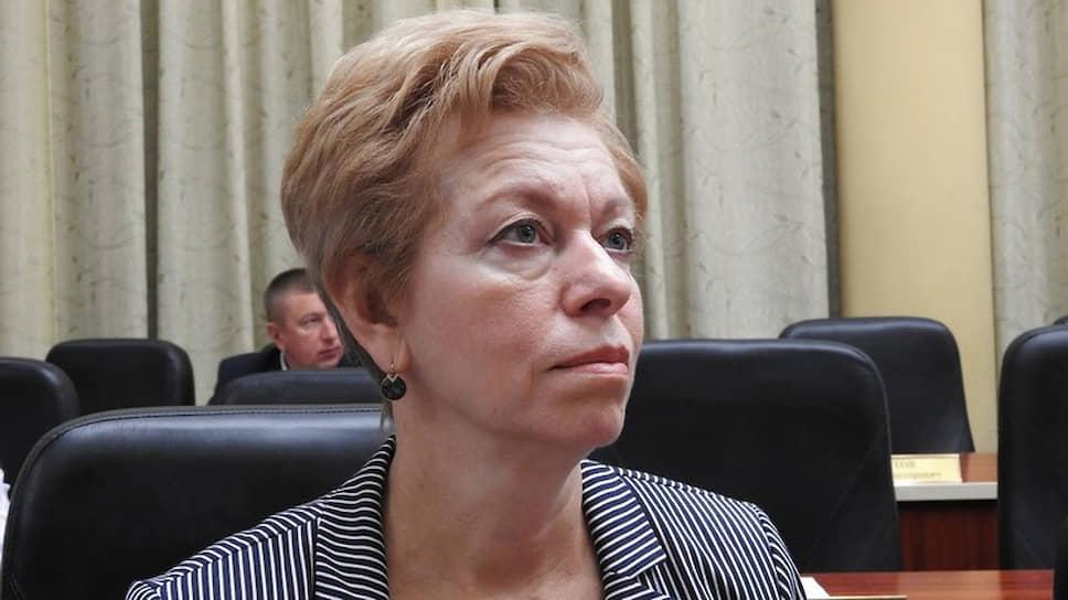 Министр Наталья Мазина отрицает вину взлоупотреблении полномочиями