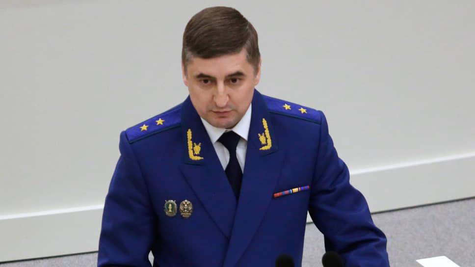 Сергей Филипенко десять месяцев немог вносить поправки вобластное законодательство