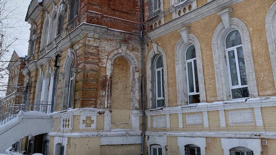 У саратовского правительства нет средств наремонт зданий психиатрической клиники