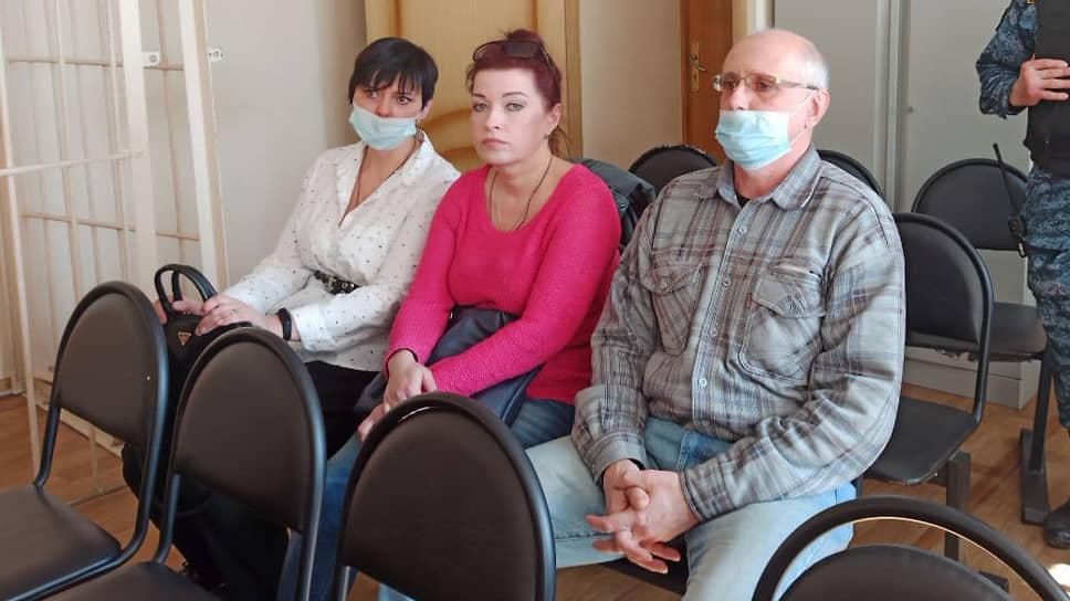 Руководителю патологоанатомического бюро (справа) назначили реальный срок вколонии