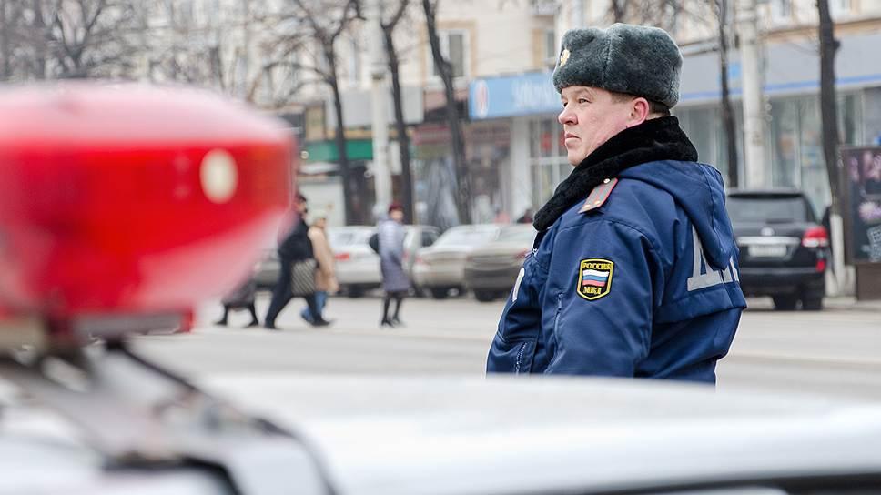 Разошлись по полисам / ВСК требует защитить конкуренцию при страховании автомашин МВД