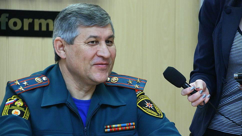Экс-глава башкирского главка МЧС не спасся от суда / Валерия Хисамутдинова приговорили к условному сроку за превышение полномочий