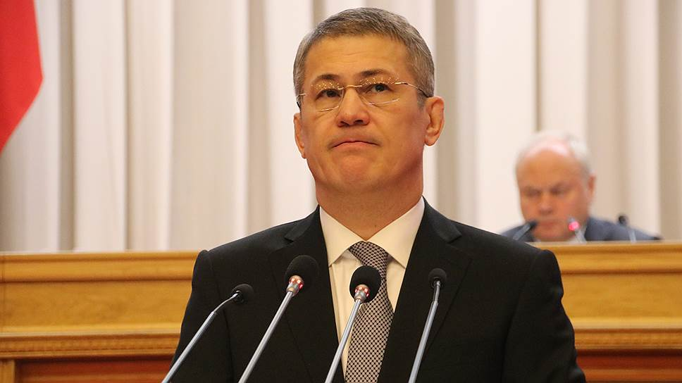 Радий Хабиров выбрал агрессивное продвижение / Врио главы Башкирии отчитался о работе двух правительств