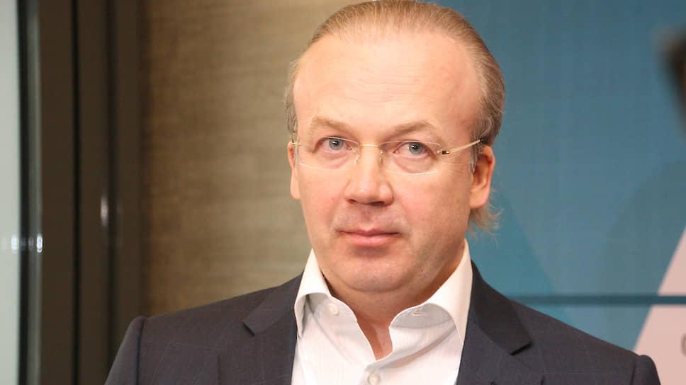 Андрей Назаров пришел  за «Миром» / Связанная с группой «Гранель» компания покупает торговый центр в Уфе