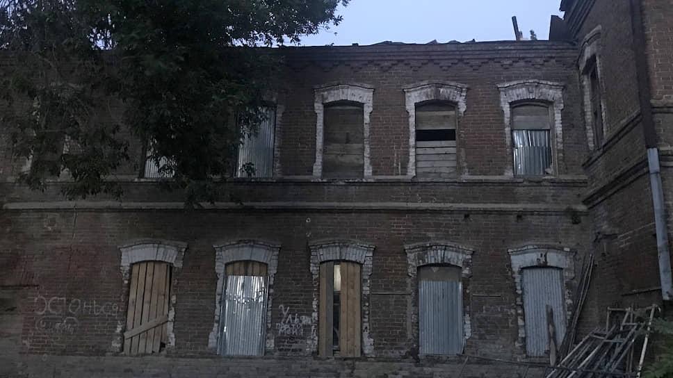 Дом Степановых-Зориных  повели на медосмотр / Старинный уфимский особняк может быть сдан в аренду медицинской клинике