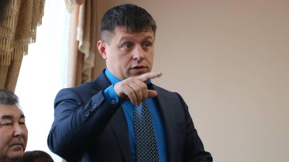 «Мехуборку» ведут на свалку / Власти Башкирии выдвинули ультиматум уфимской «дочке» группы