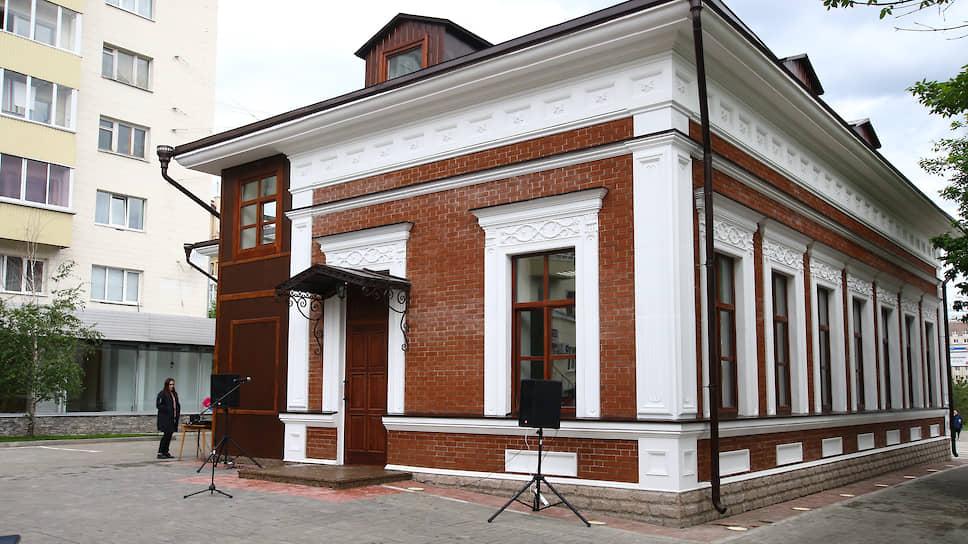 Мэрии пишут задание на дом / Администрация вовлечена в очередной спор за право восстановления памятника истории