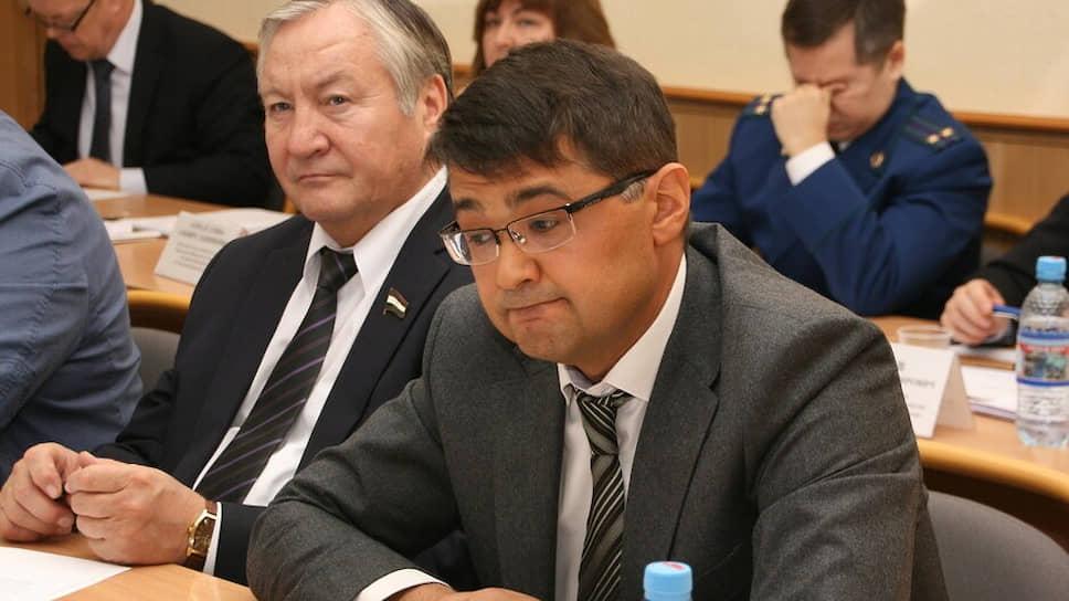 Бизнес уполномочен заявить / Флюр Асадуллин назначен уполномоченным по правам предпринимателей Башкирии