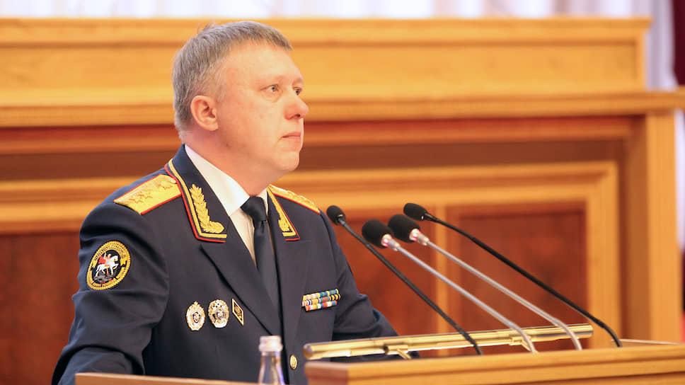 Депутатов подготовили к особо важным делам / В Курултае с докладом впервые выступил глава регионального СУ СК