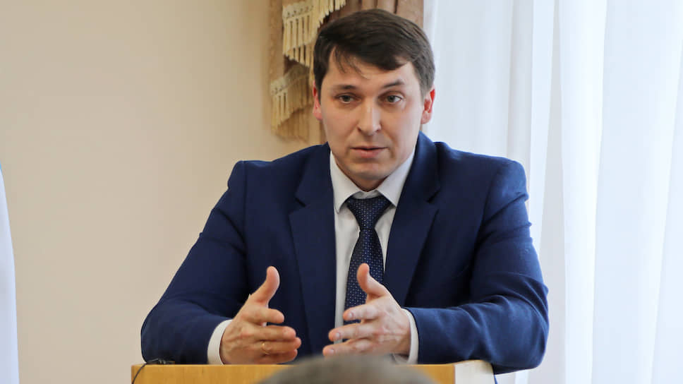 Замглавы администрации Сибая Ильшат Кадыров уверен, что горожане готовы жаловаться даже на дым из печной трубы