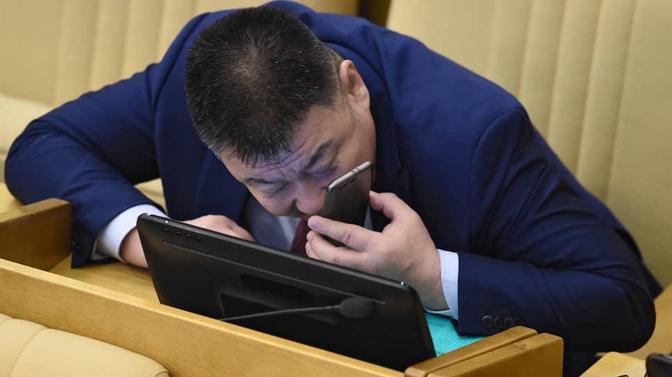 Внимание всем постам / Депутат Госдумы из Калмыкии Батор Адучиев пожаловался в СКР на жителя села Чекмагуш