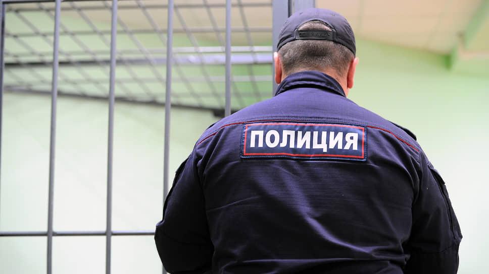 Обнаженные и оскорбленные / Полиция проверит угрозы, поступившие художнице из Уфы