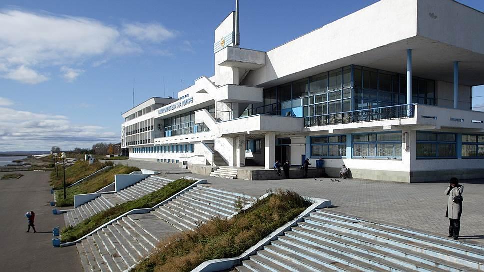 Распродажу порта продолжат по закону / Введено конкурсное производство в компании — операторе речпорта Комсомольска-на-Амуре