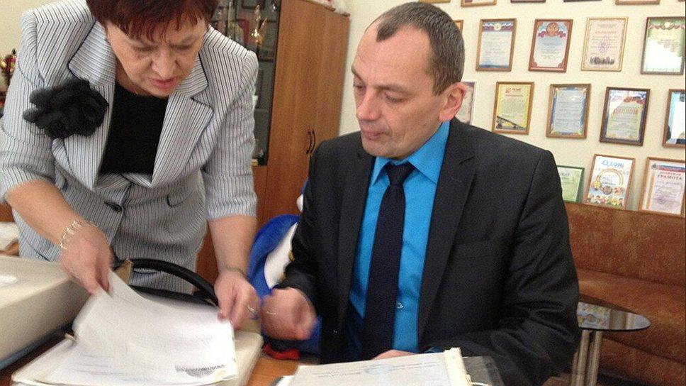 Глава комитета попался нанабережной / Александр Сурков задержан поподозрению вполучении взятки