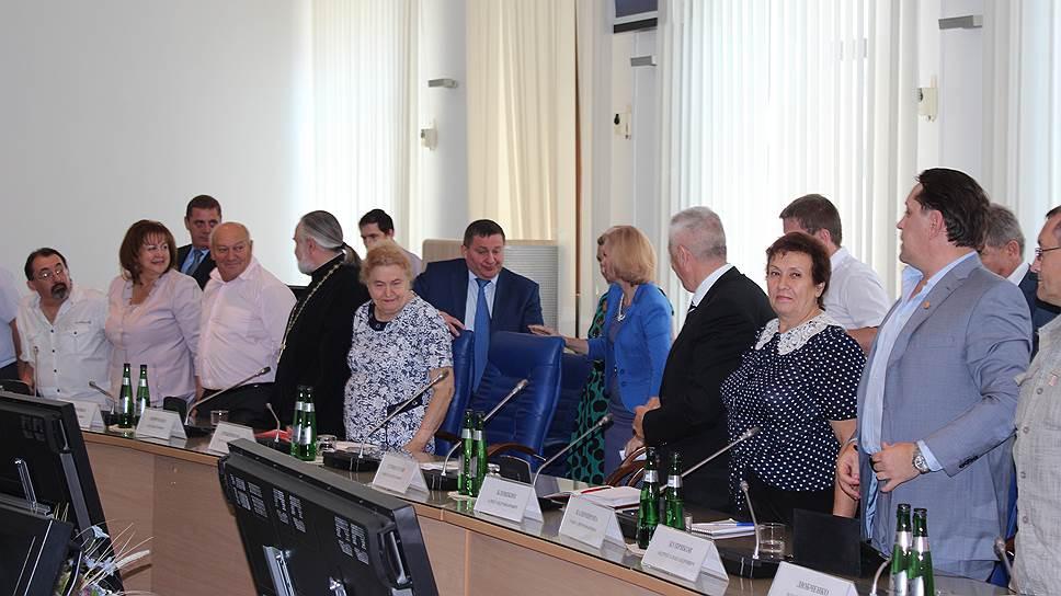 Андрей Бочаров поднял значимость Общественной палаты допомощников вборьбе скоррупцией